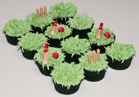 Cake Decorating Cricket Figures : Pin Cricket Figures Have Been Bought And The Bat Is Made ...